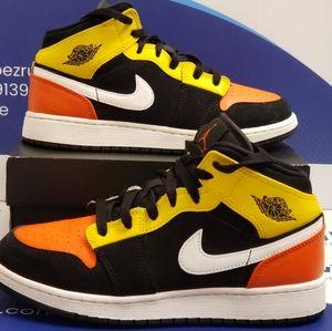 Air Jordan 1 Mid Amarillo Orange Kids 6y